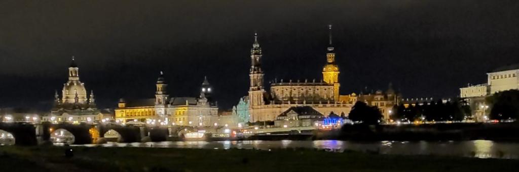 Unsere Studienfahrt nach Dresden -Von einer streikenden Klasse und begeisterten Lehrkräften