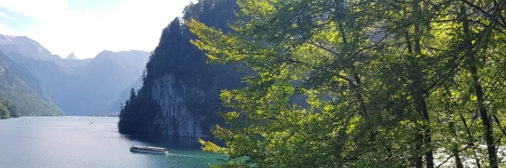 Über hohe Berge und tiefe Seen